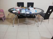 طاولة سفرة  موضحة في الصور  بسعر 150 درهم