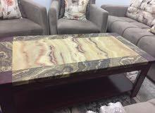 طاولة رخامية للبيع استعمال بسيط