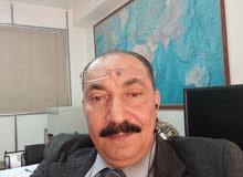 مستشار قانوني وكاتب مذكرات وعقود