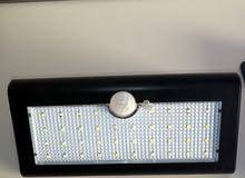 مصابيح ضوئية تشتغل بالطاقة الشمسية