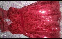 فستان لون احمر للبيع