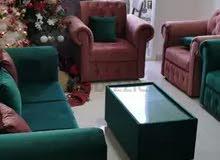 أريكة جميلة جدا لدي سعر منخفض جدا