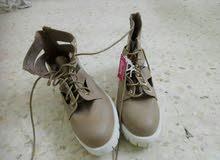 حذاء جديد مع ورقته لبيع 25