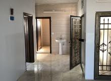شقه  للايجار في حنينا غير مسكونه من قبل  صاله حمام ثلاث غرف