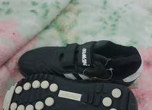 حذاء رياضي أولادي نوع ارماني مقاس 35 جديد
