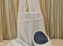 للاطفال حديثي الولادة سرير نوم وسرير الام مع مدس بحالة ممتازة واستخدام 50يوم فقط