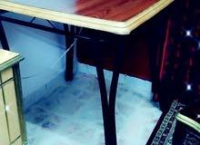 طاولات مستعمله بحال الجديد للبيع
