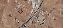 ارض 6 دونم في الرجم الشامي تبعد 500 متر عن التنموي للبيع