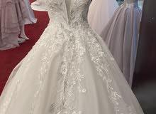 فستان زفاف فخم وراقي