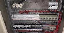 معلم كهرباء تصليح صيانة كهرباء وسنكرية وبلاط ودهان