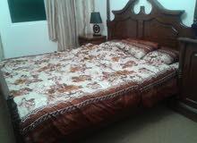 غرفه نوم خشب لاتيه للبيع مع الفرشه