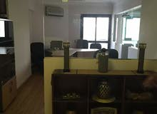 مكتب مفروش للايجار أرضى بمدخل مستقل 200م