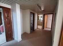 غرفتين وصاله وحمامين ومطبخ للايجار