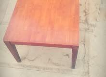 طاولة بطول مترين ×متر وارتفاع 70 قابلة للفك