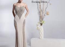 فستان أنيق و مميز للبيع