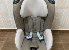 مقعد سياره للأطفال