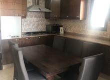 شقة 210م للبيع مع روف مبني في ضاحية الرشيد