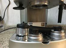 ماكينه لعمل قهوه اسبريسو وكابتشينو نوع ديلونجي للبيع