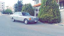 Mercedes Benz E 200 1984 for sale in Irbid