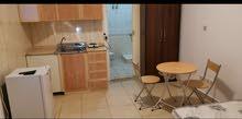 غرفه 5x5 مفروشه  بحمام  ومطبخ زاويه بمدخل جانبي  شامل الكهرباء