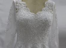 فستان زفاف مع شاحوط