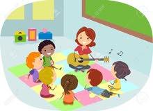 مطلوب استاذة موسيقى للأطفال حصه خصوصي (بيانو & غيتار)  راتب مغري