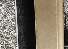حافظة جلد لايباد برو 12.9مع قلم الكتروني لون ذهبي