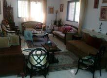 شقة ارضية في خلدا قرب مدارس الدر المنثور بحالة ممتازة وبمنطقة مخدومة