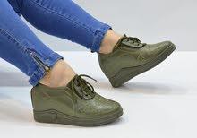 حذاء رياضي كعب مخفي