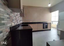 شقة للبيع في عزمي مساحة 160 م .