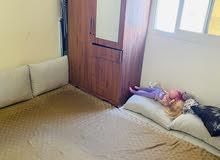 سرير حديد بفرشه ( مرتبة ) ودولاب 35