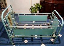 سرير أطفال حديد مقاس كبير مستعمل بحالة ممتازة