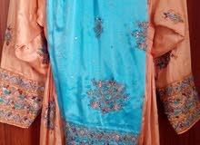 ملابس للبيع والايجار
