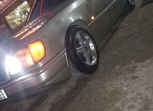 Automatic Gold Mercedes Benz 1990 for sale