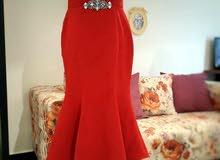 فستان بمقاس 42\44 للبيع للجادين فقط