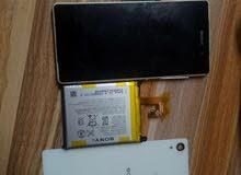 بورد +شصي بحالة جيدة+باقي الأغراض ماعدا الشاشة لسوني زد2 z2 للبيع ب10