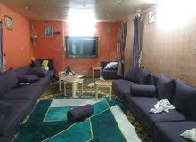 استراحه للأجار السنوي موجود فيها بيت اربع غرف ومطبخ وثلاثة حمامات