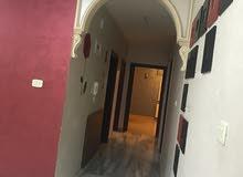 شقة ارضة للبيع  /الجبيهة. شارع البلدية خلف ديوان اللوزيين