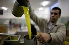 منتجات فلسطنية زيت زيتون مكدوس جبنة زعتر ميرمية والاسعار مناسبة