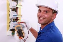 خريج كهرباء منازل أو صناعية