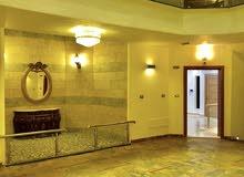 شقة ارضية دوبليكس في ام أذينه (جديدة لم تسكن)-180م-فنادق