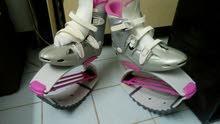 حذاء  تزلج عجلات....حذاء نط جديد