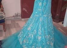 فستان للبيع السعر 150 او أجار 50