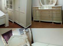 غرفة نوم بحرينيه لشخصين بحاله ممتازة