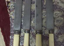 سكاكين للبيع /  سكاكين جوزيف روجلر حقبة الملكة فيكتوريا العمر التقديري 117 سنه