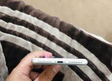 أيفون 8+ ذاكره 256 أبيض  + ايفون 5s ذاكره 16 اريد اراوس ويا ايفون X
