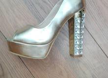 حذاء كعب سواريه ، مستخدم مره واحده، في حالة جيده جدا ، مقاس 36