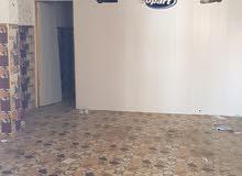 محل للايجار الجنينه شارع جامع الكرناوي من جهه بريد الأندلس مساحه 4في 8 متر