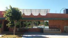 dispo villa sidi bibi avec jardin et piscine 4000m