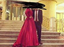 فستان للبيع بحالة ممتازة